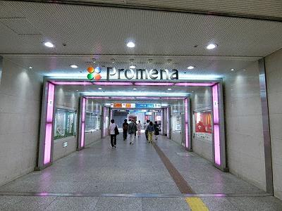 プロメナ神戸とデュオこうべの地下連絡通路