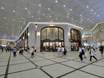 阪急うめだ本店コンコース広場入口