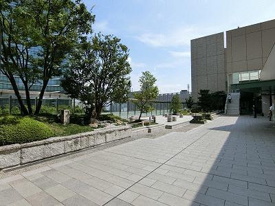 ノースゲートビルディング・10階和らぎの庭