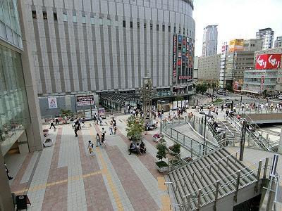 大阪ステーションシティ2F北東エリアのカリヨン広場