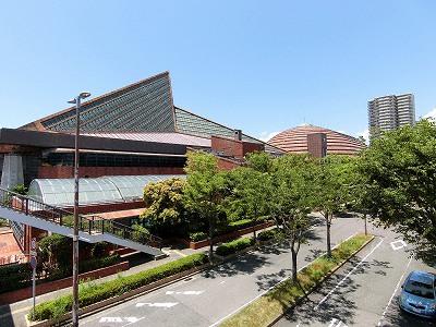 スポーツセンターとワールド記念ホール
