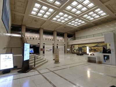 神戸市立博物館ホール(旧東京銀行営業室)