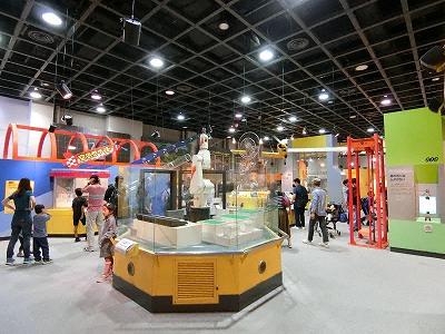 神戸市立青少年科学館第1展示室