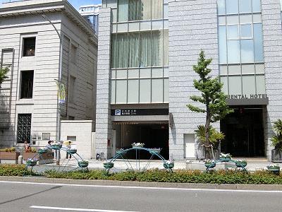 神戸旧居留地25番館駐車場入り口