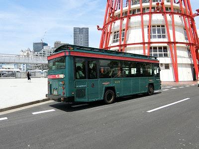 シティーループのメリケンパークバス停