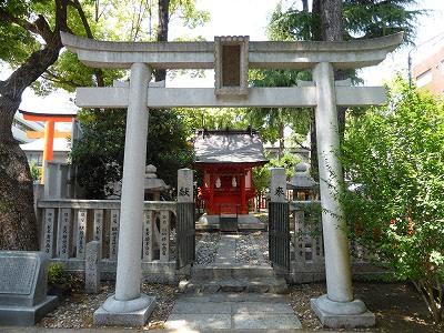 松尾神社は酒の神・松尾大社の末社