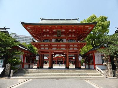生田神社の楼門
