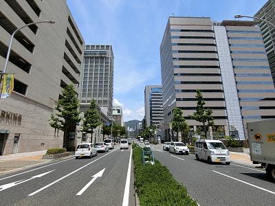 京町筋は、神戸旧居留地の南北のメインストリート