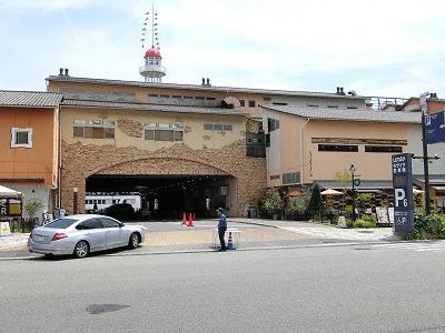 モザイク1F駐車場