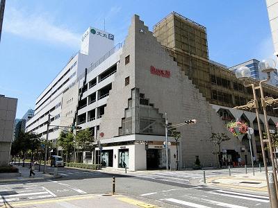 大丸神戸店南側の立体駐車場・BLOCK30大丸カーポート