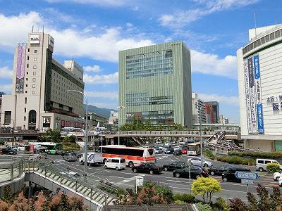 JR三ノ宮駅前のミント神戸