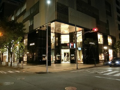プラダ神戸店の夜景